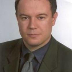 Dr. Janik Leonard -