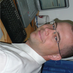 Dr. Kis János -