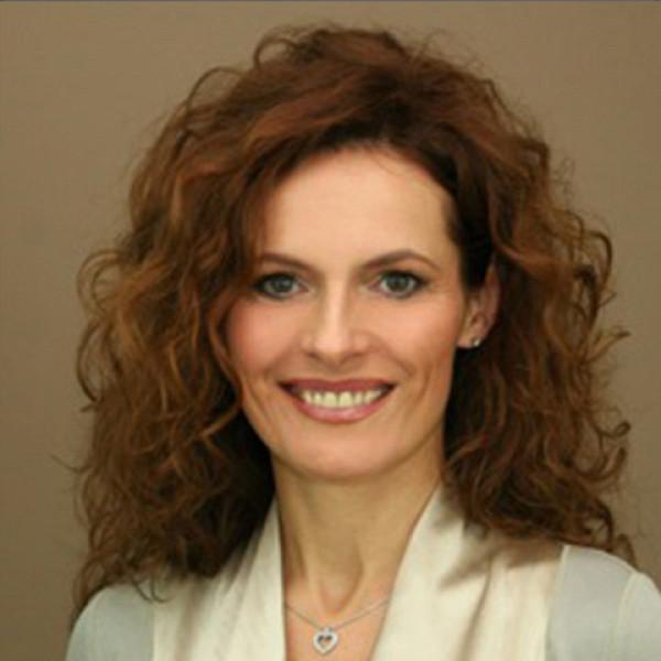 Dr. Révész Klaudia - Bőrgyógyász, Gyermekbőrgyógyász, Kozmetológus
