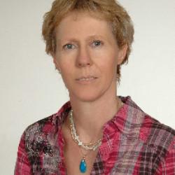 Dr. Pfeifenróth Anna -