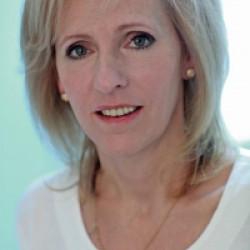 Dr. Kelbert Éva -