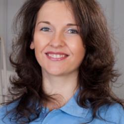 Dr. Gortva Lucia -