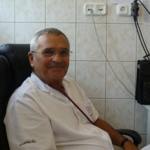 Dr. Vígh József - Belgyógyász, Kardiológus