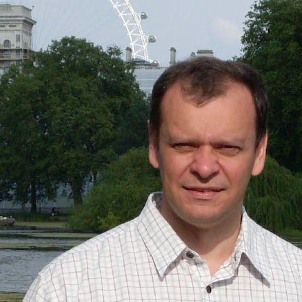Dr. Bartha Csaba - Gyermektüdőgyógyász, Gyermekgyógyász