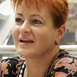 Dr. Huszka Ildikó -