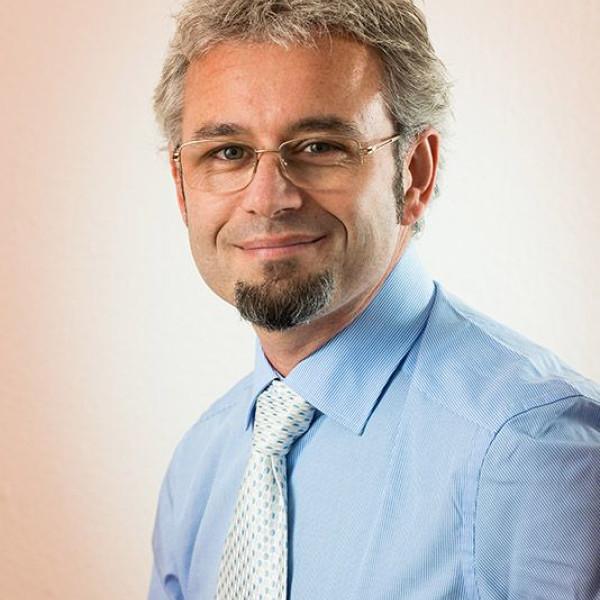 Kuna Gábor  - Pszichológus