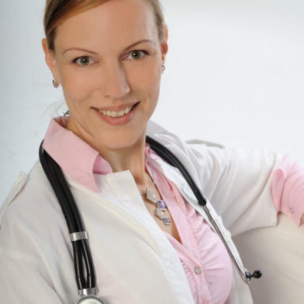 Dr. Zsiska Beáta - Reumatológus, Manuálterapeuta