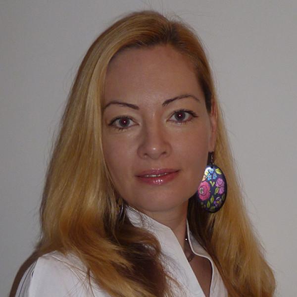 Dr. Poroszkai Mária - Bőrgyógyász, Kozmetológus