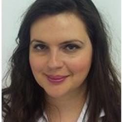 Dr. Kuzmanovszki Daniella - Bőrgyógyász, Kozmetológus