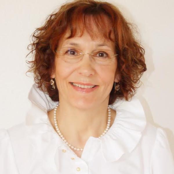 Dr. Radó Eszter - Pszichológus, Pszichoterapeuta