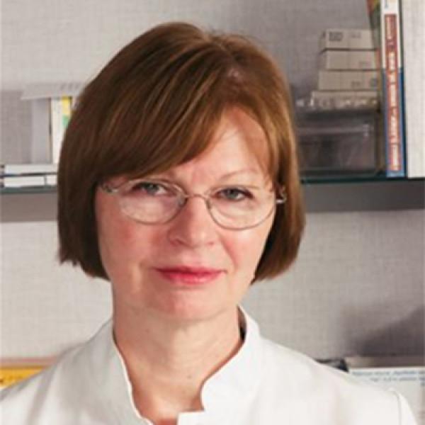 Dr. Merényi Katalin - Belgyógyász, Gasztroenterológus