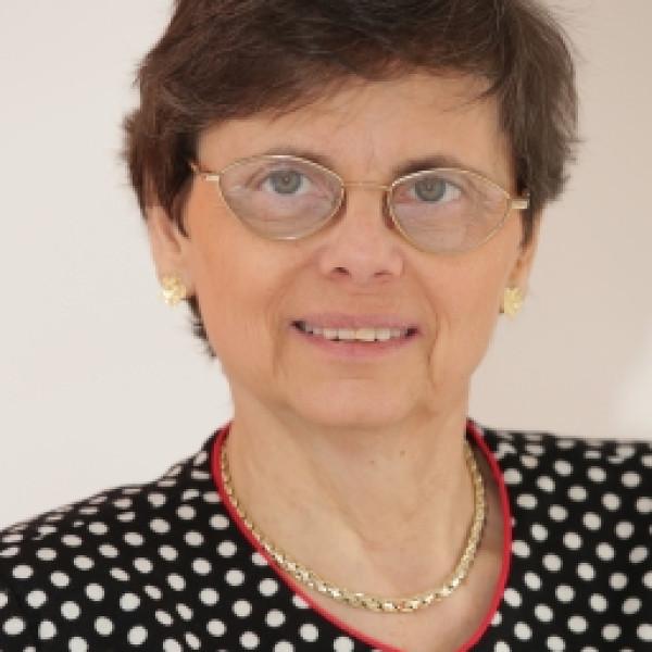 Dr. Kristóf Vera - Angiológus, Belgyógyász