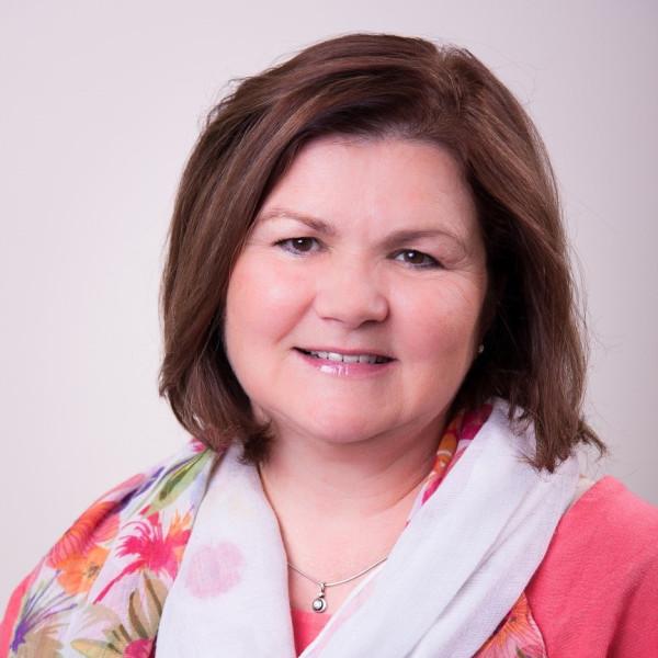 Dr. Almássy Zsuzsanna - Diabetológus, Gyermek diabetológus