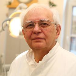 Dr. Matos Pál -
