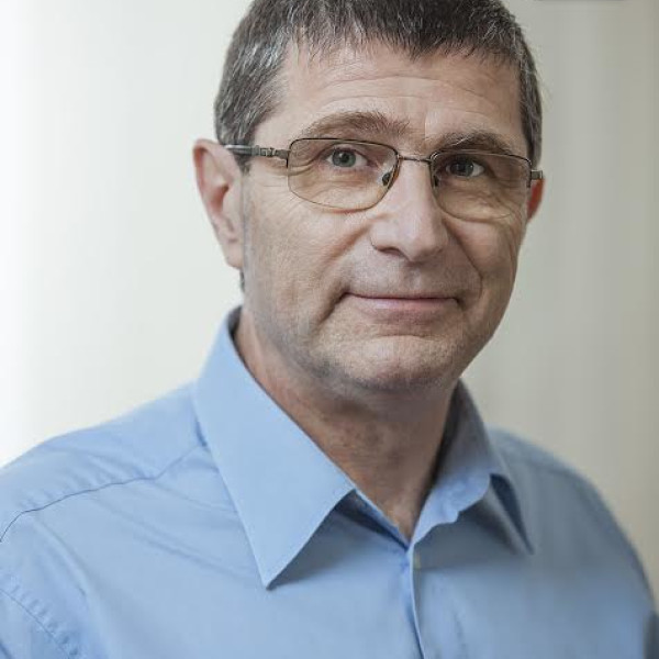 Dr. Székely György Ph.D - Neurológus, Idegsebész, Gerincgyógyász