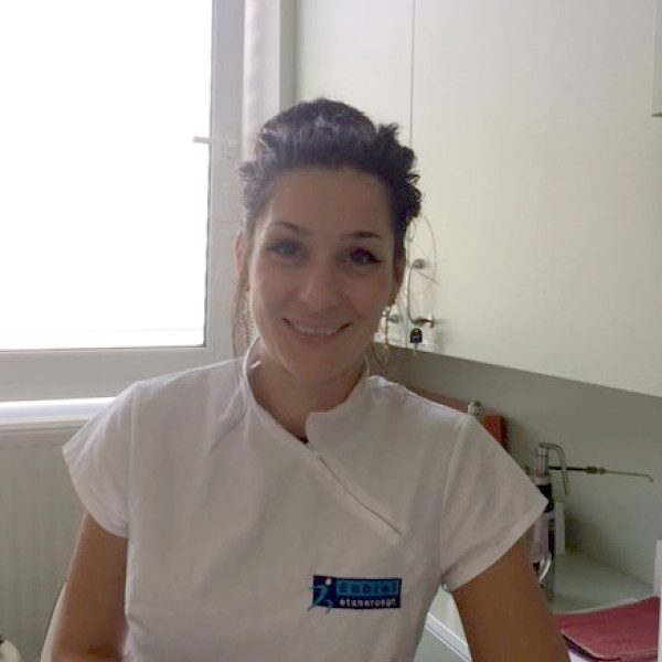 Dr. Paluska Márta - Bőrgyógyász, Sebkezelő szakorvos, Nemigyógyász, Kozmetológus