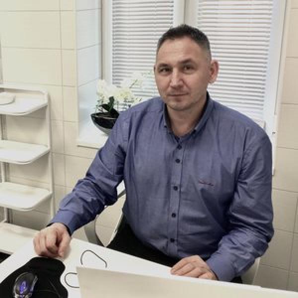 Dr. Sztányi István - Kézsebész , Traumatológus
