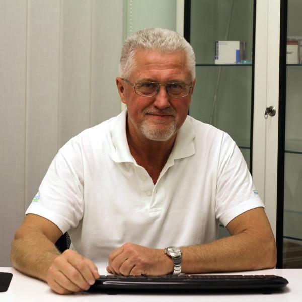 Dr. Lőrik Gábor Attila - Ortopédus