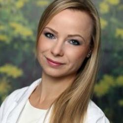 Dr. Ujfaludi Adrienn - Bőrgyógyász