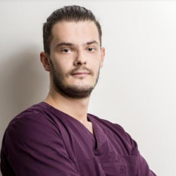 Dr. Hriczó-Koperdák Gergely - Fogorvos