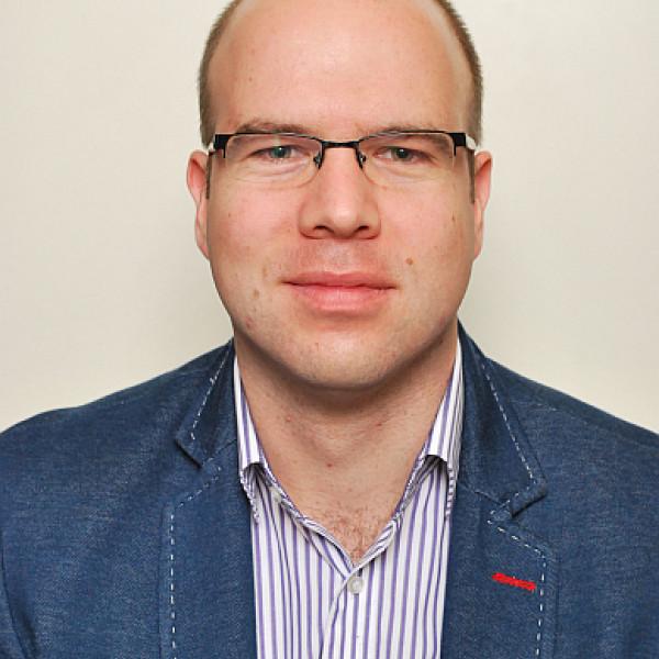 Dr. Burián András - Fül-orr-gégész