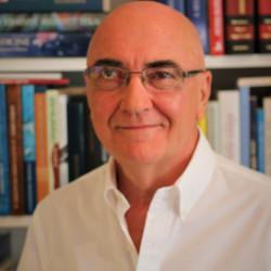 Dr. Küronya Pál - Belgyógyász, Gasztroenterológus