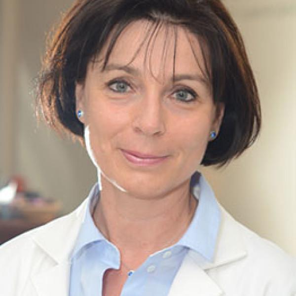 Dr. Tóth Helga - Tüdőgyógyász, Allergológus, Immunológus