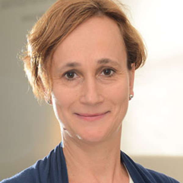 Dr. Cseh Júlia - Pszichiáter, Gyermekpszichiáter, Pszichoterapeuta