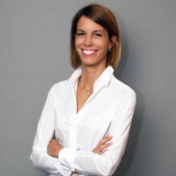 Dr. Kálmán Judit - Fül-orr-gégész, Gyermek fül-orr-gégész