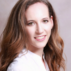 Dr. Moldován Anna - Fogorvos