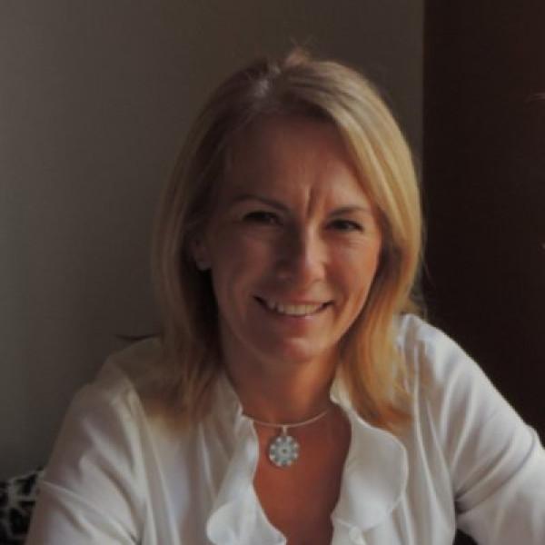 Dr. Bátori Beáta - Gyermekgyógyász, Diabetológus