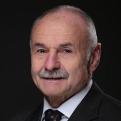 Dr. Hábel Tamás - Kézsebész