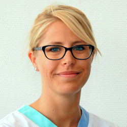 Dr. Mező Marléne - Fül-orr-gégész