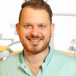Dr. Éder Dániel - Fogorvos