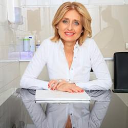 Dr. Kávássy Beáta - Fogorvos