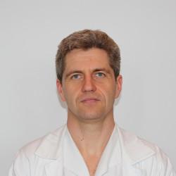Dr. Szakszon Péter - Kardiológus, Belgyógyász