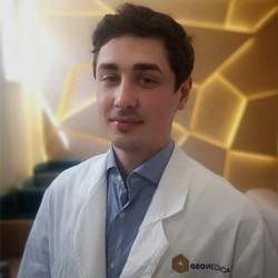 Dr. Pásztor Máté - Neurológus