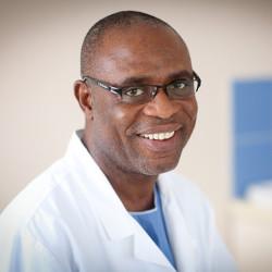Dr. Ekine Atombosoba Adokiye - Nőgyógyász